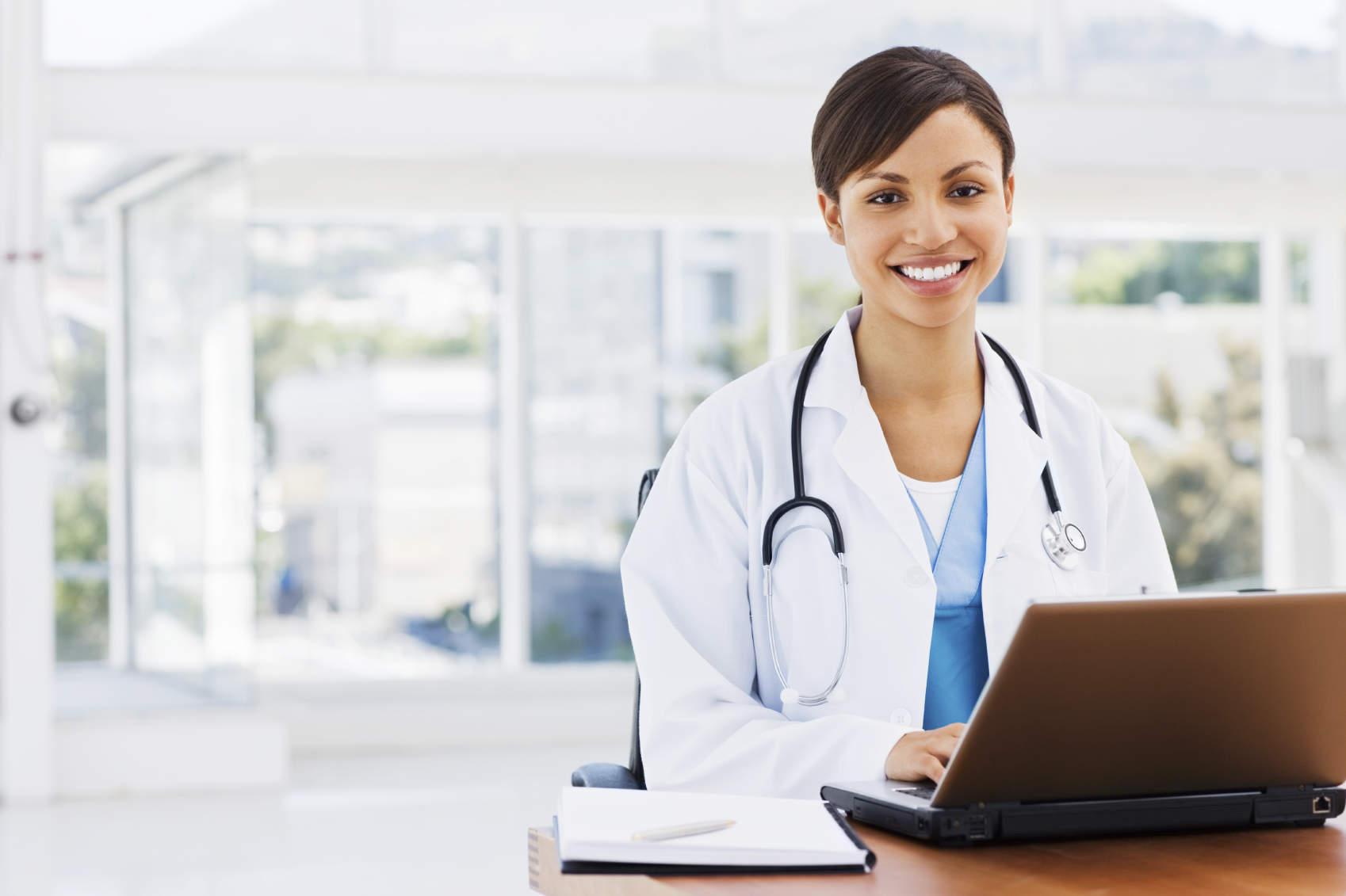 Fazer o telefone de seu consultório ser atendido aumenta a produtividade da sua clínica.
