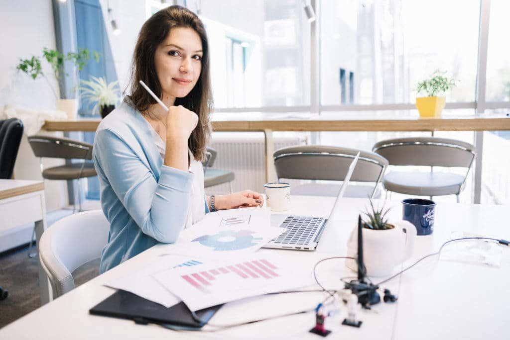 Qual a diferença do atendimento virtual e da assistente virtual?