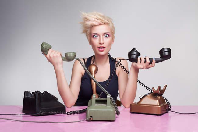 Você pensa que as secretárias só servem para atender telefones? Ledo engano.