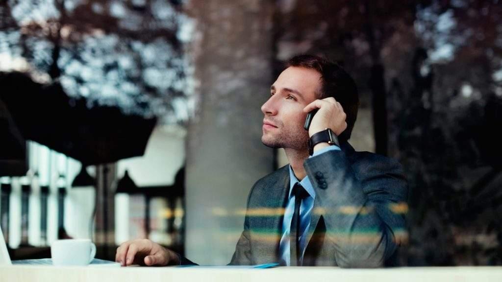 Nem sempre o telefone celular é a melhor forma de realizar atendimento para a sua empresa.