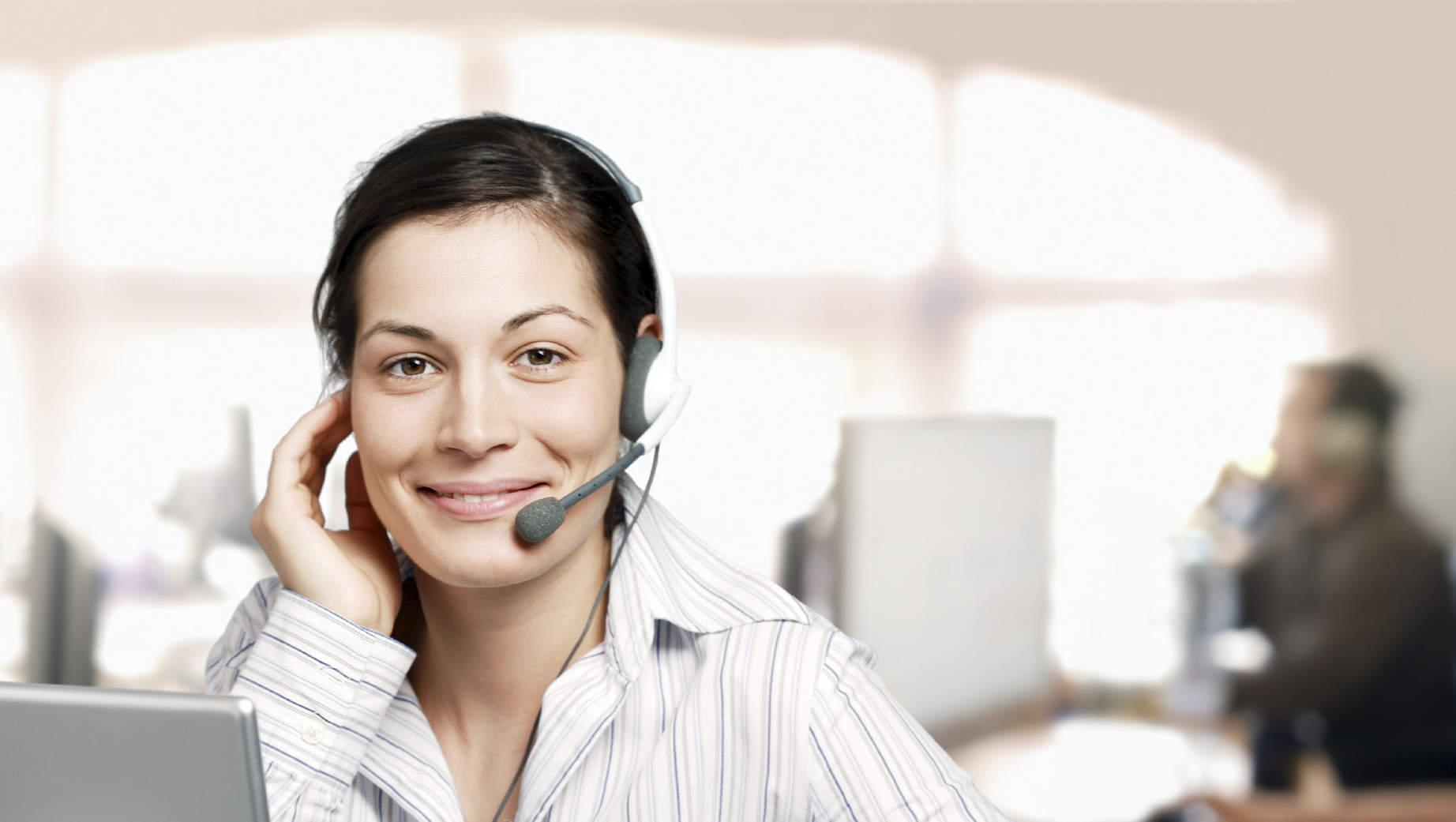 Quem atende as chamadas telefônicas de sua empresa durante os feriados?