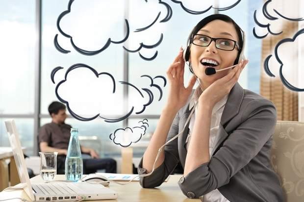 Terceirização de atendimento telefônico: é possível uma pequena empresa ter atendimento 24h.