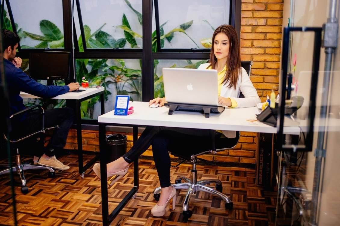 Conheça o serviço de secretárias virtuais compartilhadas e como ele pode auxiliar no seu negócio.