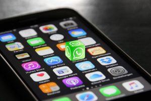 Devemos usar o WhatsApp no trabalho?